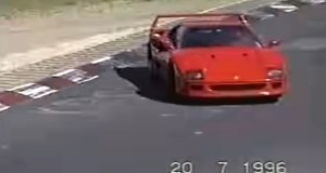 sestrih-nehody-nurburgring-ferrari-f40-retro-video