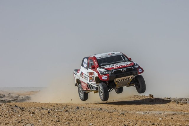 toyota_gazoo_racing-rallye_dakar_2021-toyota_hilux- (7)