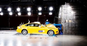 Volvo_S90_Small_Overlap_Crash_Test