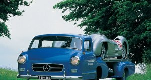mercedes-benz_blue_wonder-odtahovka-historicke_foto-nahled