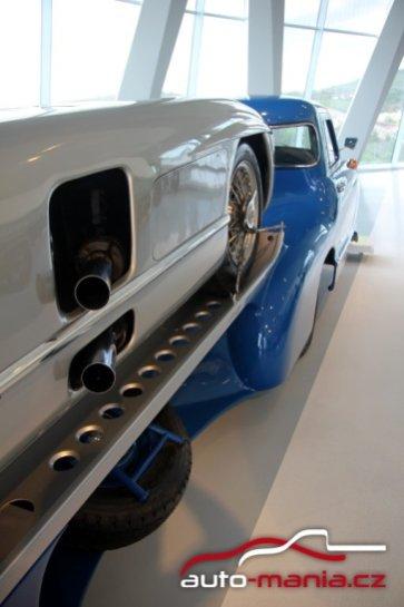 mercedes-benz_museum-mercedes-benz_blue_wonder-odtahovka- (13)