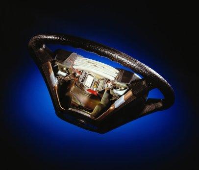 mercedes-benz_tridy_s-w126-airbag-nafouknuti- (1)