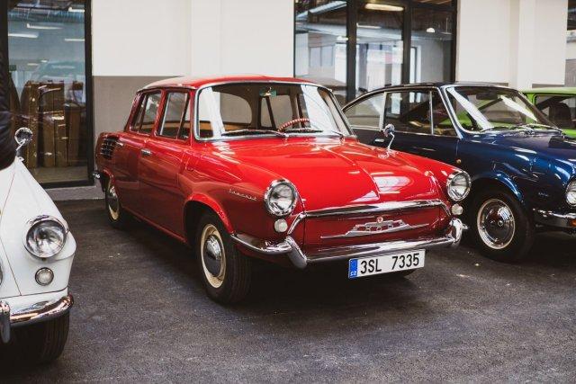 Škoda 990 NOV favorit