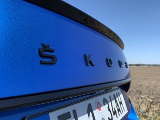 test-2020-plug-in-skoda_superb_iv-sportline- (11)