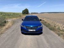 test-2020-plug-in-skoda_superb_iv-sportline- (2)