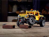 LEGO_Technic-Jeep_Wrangler_Rubicon- (9)