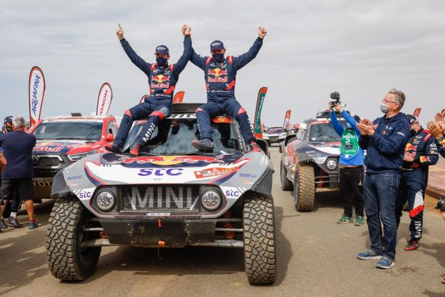 dakar_2021-po12etape-cil-MINI-Stephane_Peterhansel- (1)