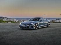 2021-Audi_e-tron_GT-elektromobil- (2)