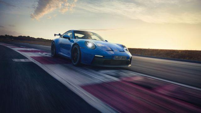 2021-Porsche_911_GT3- (10)