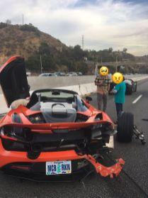 McLaren_720S_Spider-nehoda_na_dalnici-Amerika-2