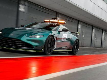 Safety_car-a-Medical_car-F1-Aston_Martin- (2)