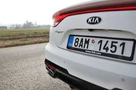 Test-2021-Kia_Stinger_GT-V6-33-T_GDI-AWD- (19)