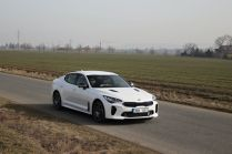 Test-2021-Kia_Stinger_GT-V6-33-T_GDI-AWD- (6)
