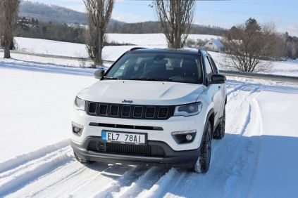 Test-2021-plug-in hybrid-Jeep_Compass_4xe- (1)