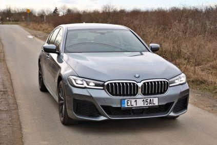 test-2021-BMW_530e_xDrive-PHEV-exterier- (1)