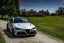 2021-Alfa_Romeo_Giulia_GTA- (2)