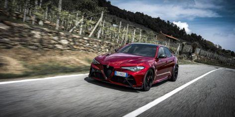 2021-Alfa_Romeo_Giulia_GTAm- (7)