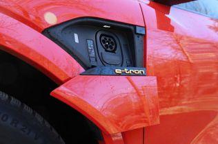 test-2021-elektromobil-audi_e-tron_s_sportback- (21)