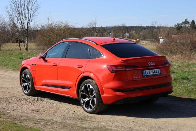 test-2021-elektromobil-audi_e-tron_s_sportback- (5)