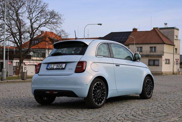 test-2021-elektromobil-fiat_500e-la_prima- (5)