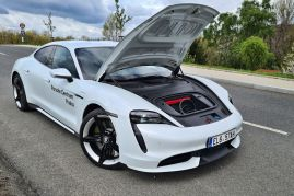 test-2021-elektromobil-porsche_taycan_turbo- (36)