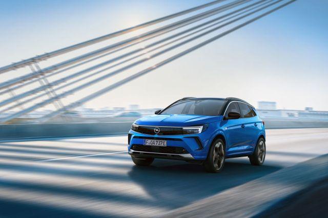 2021-Opel_Grandland-Hybrid4- (1)