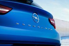 2021-Opel_Grandland-Hybrid4- (4)