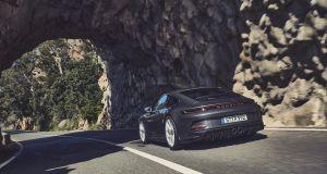 2021-porsche_911_GT3_touring- (6)