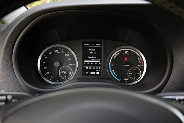 test-2021-mercedes-benz-e_vito-elektromobil- (15)