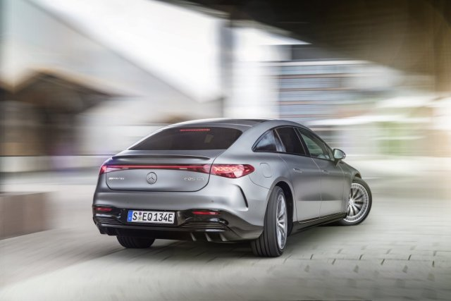 2021-Mercedes-AMG-EQS-53-4MATIC- (8)
