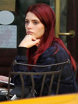 ashley greene con el pelo rojo gossips and fashion