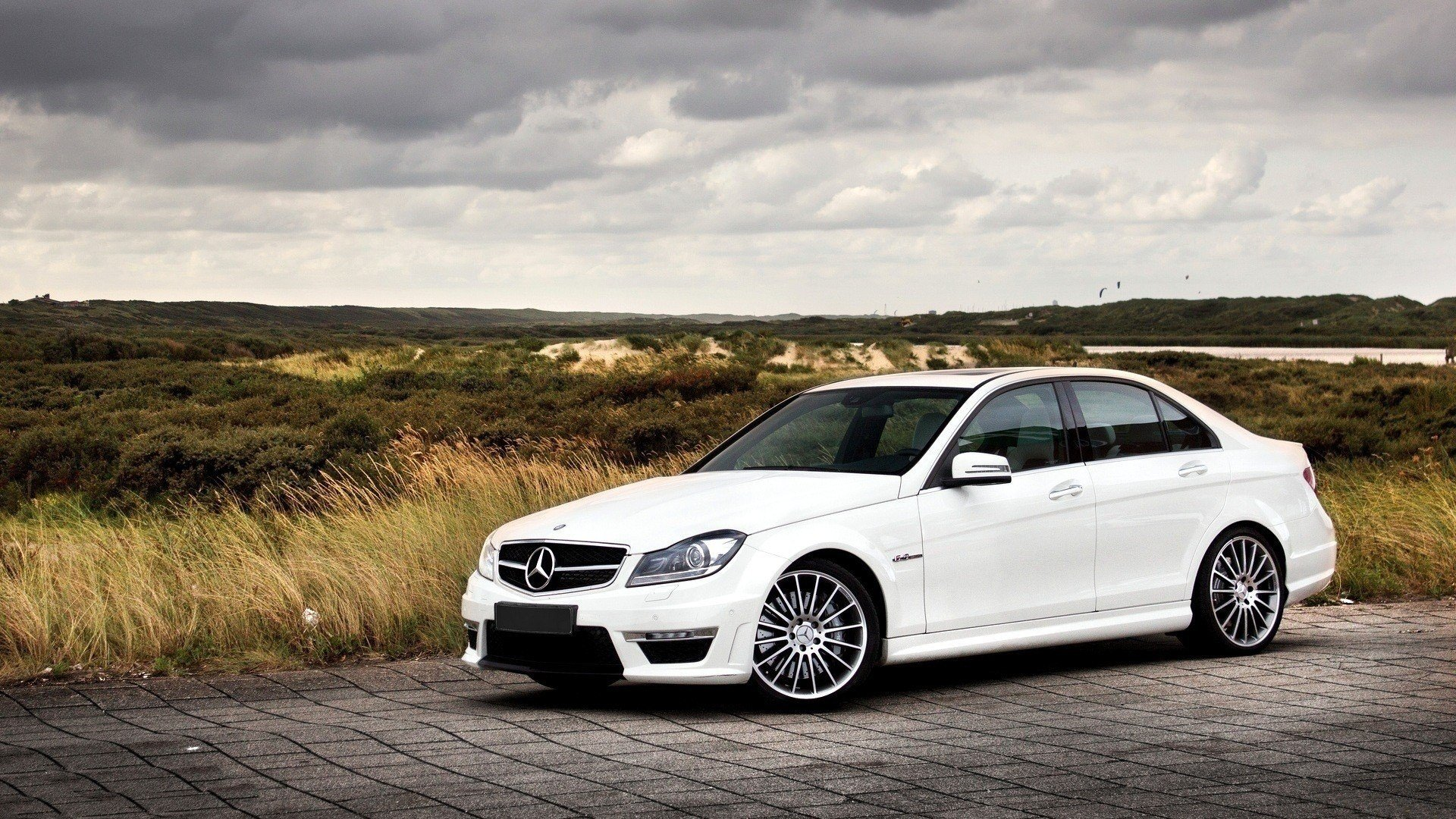 Latest 20 Excellent Hd Mercedes Wallpapers Free Download