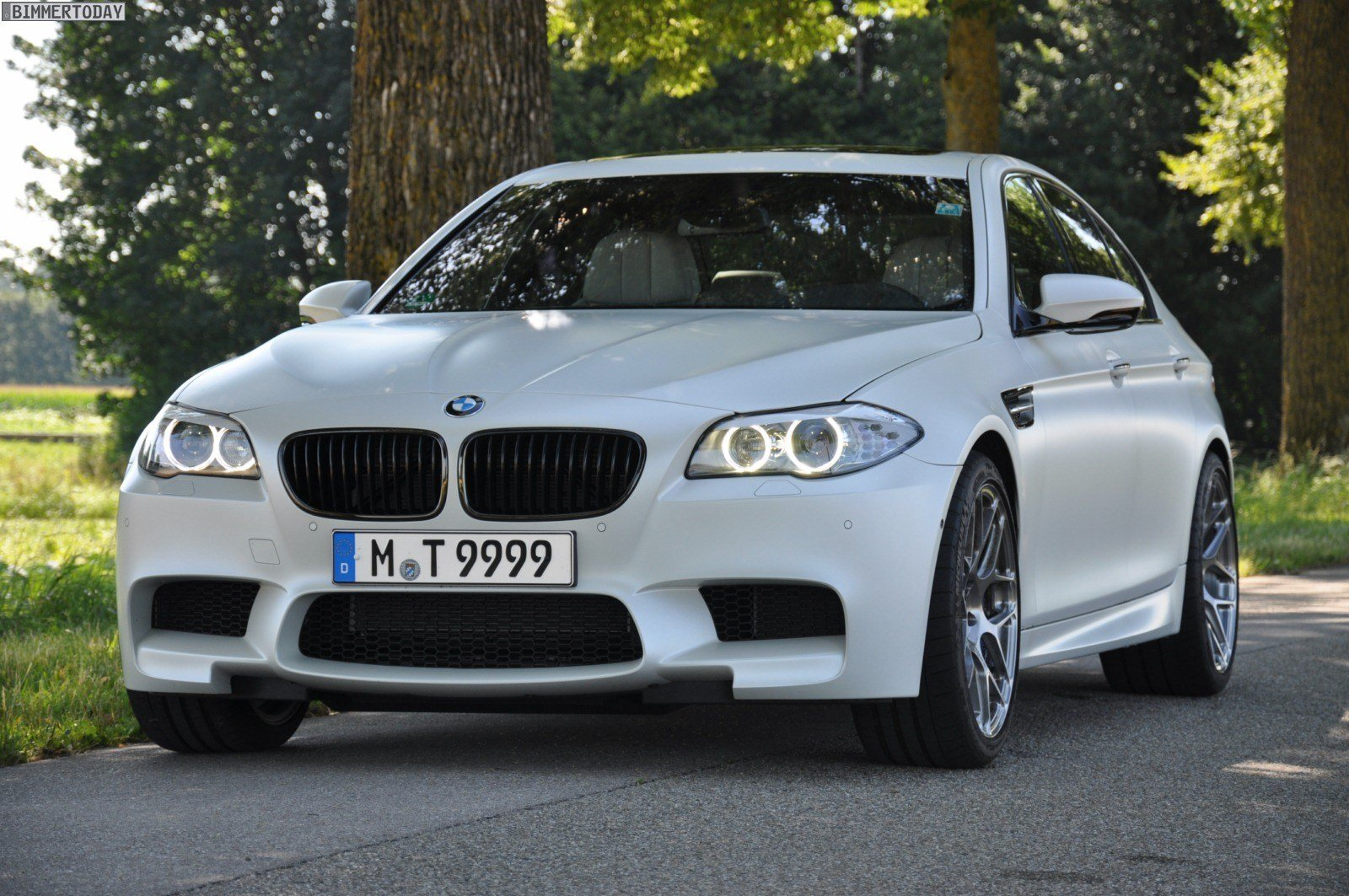 Latest Bmw Designer Says Apple Made White Most Popular Exterior Free Download