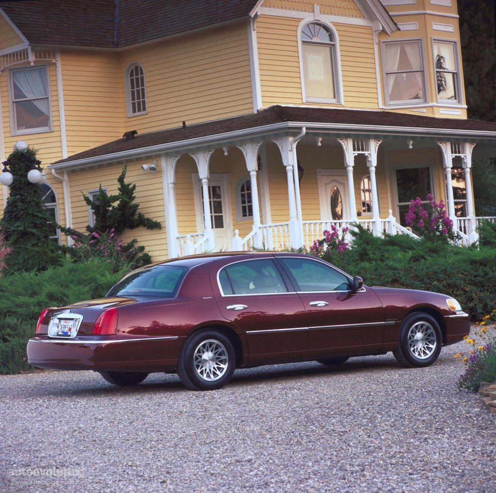 Latest Lincoln Town Car Specs Photos 1998 1999 2000 2001 Free Download