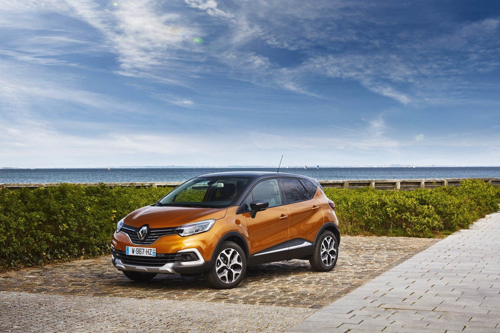 Latest 2017 Renault Captur Facelift Gets Extensive Photo Gallery Free Download