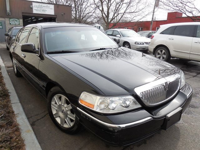 Latest 2011 Used Lincoln Town Car 4Dr Sedan Signature L At Auto Free Download