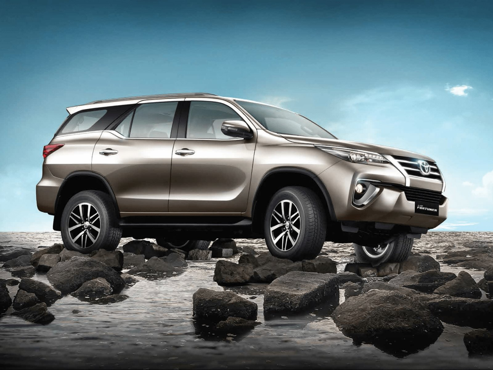 Latest Toyota Fortuner Wallpapers Free Download