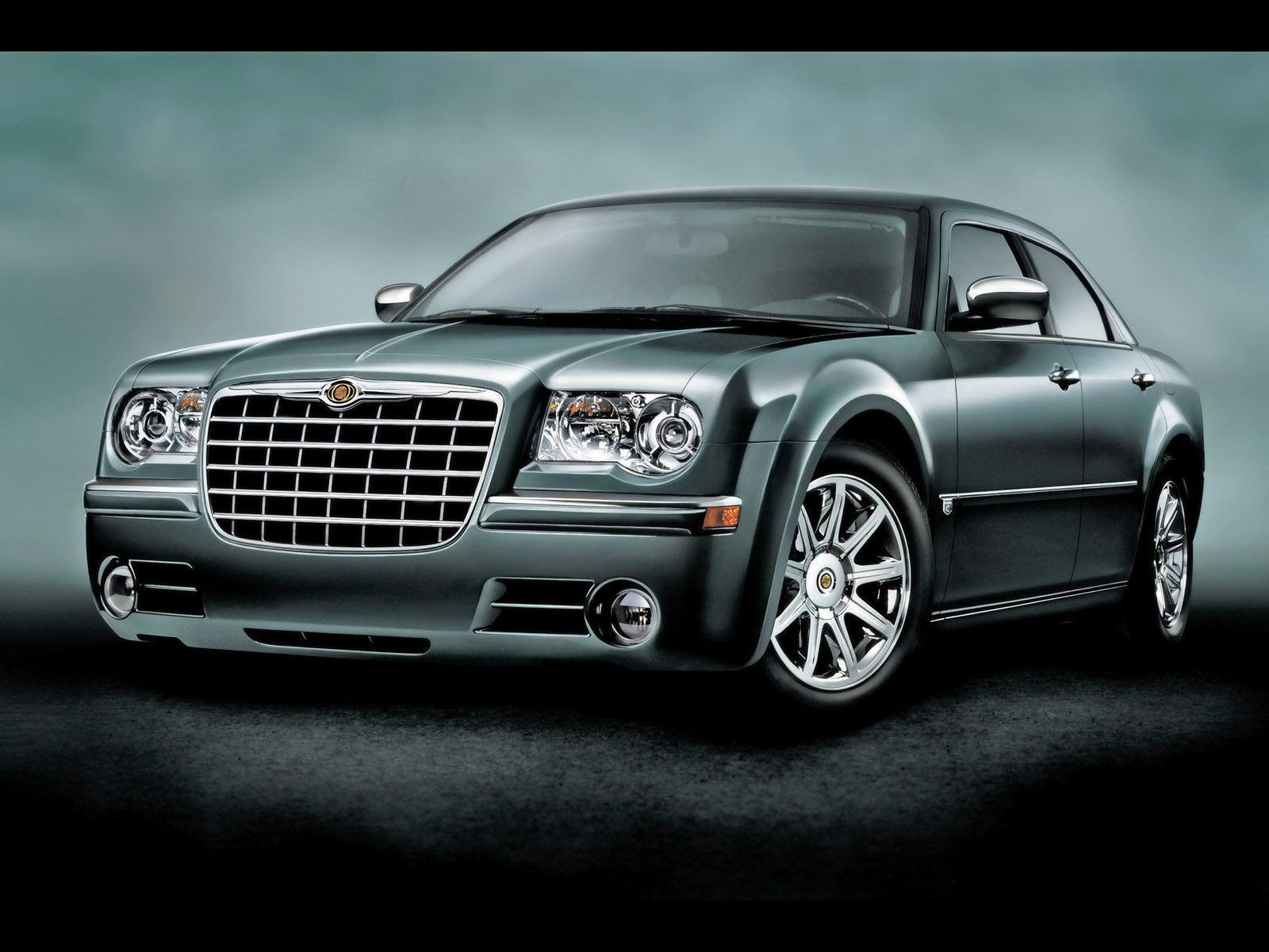 Latest 2005 2010 Chrysler 300 The Return Of The Beautiful Brute Free Download