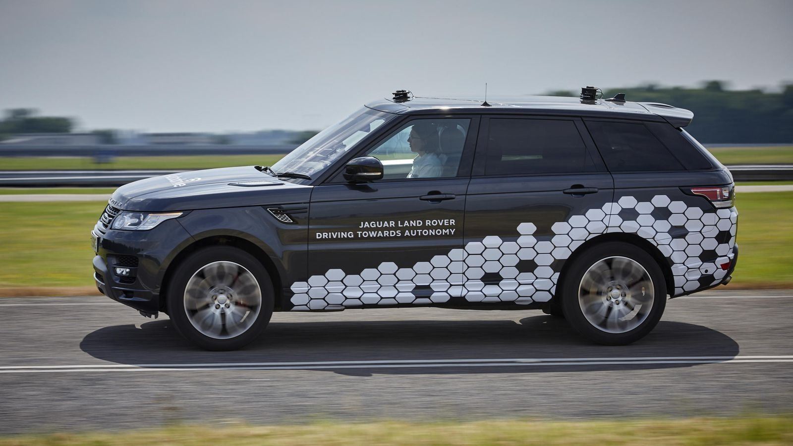 Latest Jaguar Land Rover Self Driving Cars Hit Real Roads For Free Download