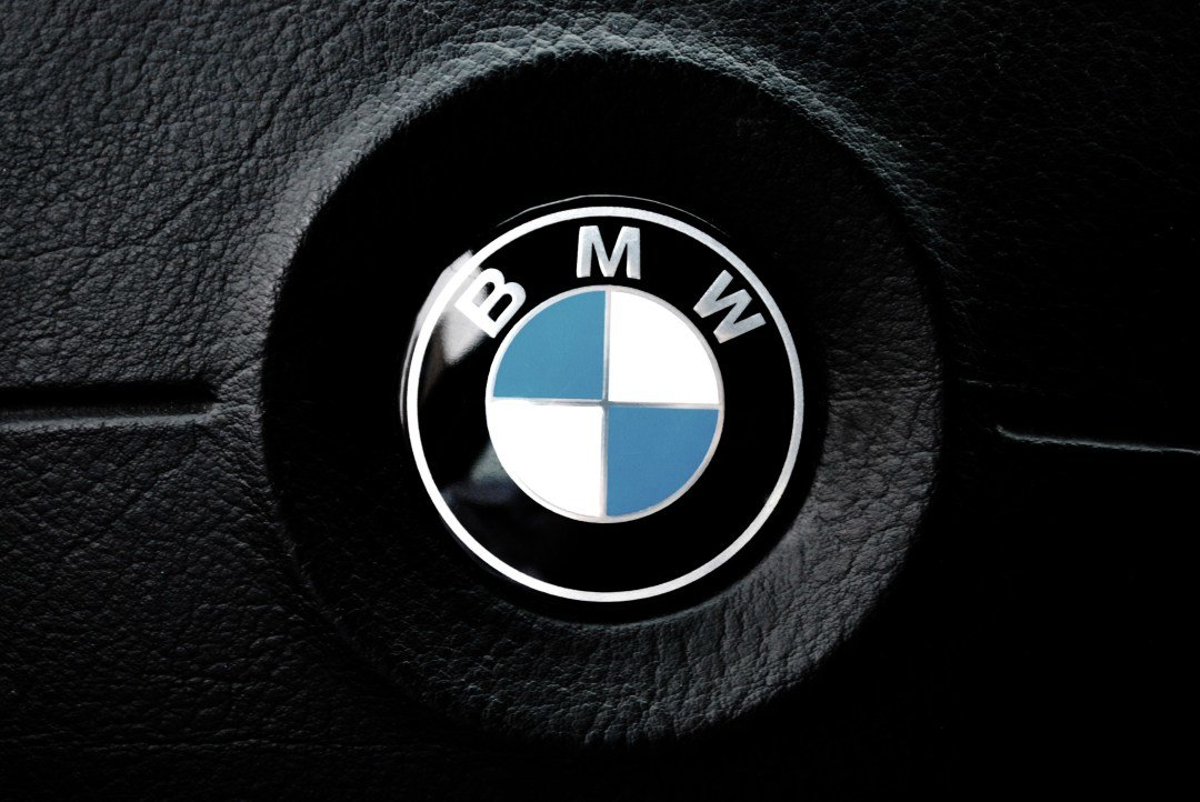 Latest Car Brand Pictures Download Free Images On Unsplash Free Download