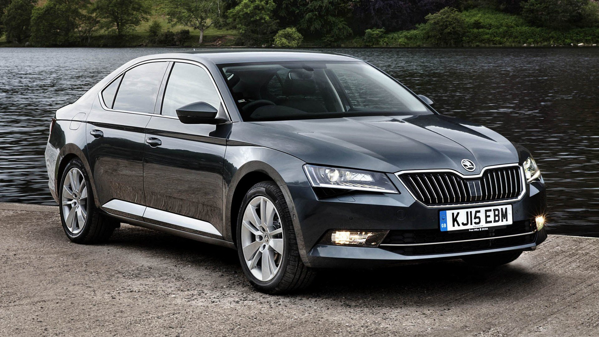 Latest 2015 Skoda Superb Uk Wallpapers And Hd Images Car Pixel Free Download