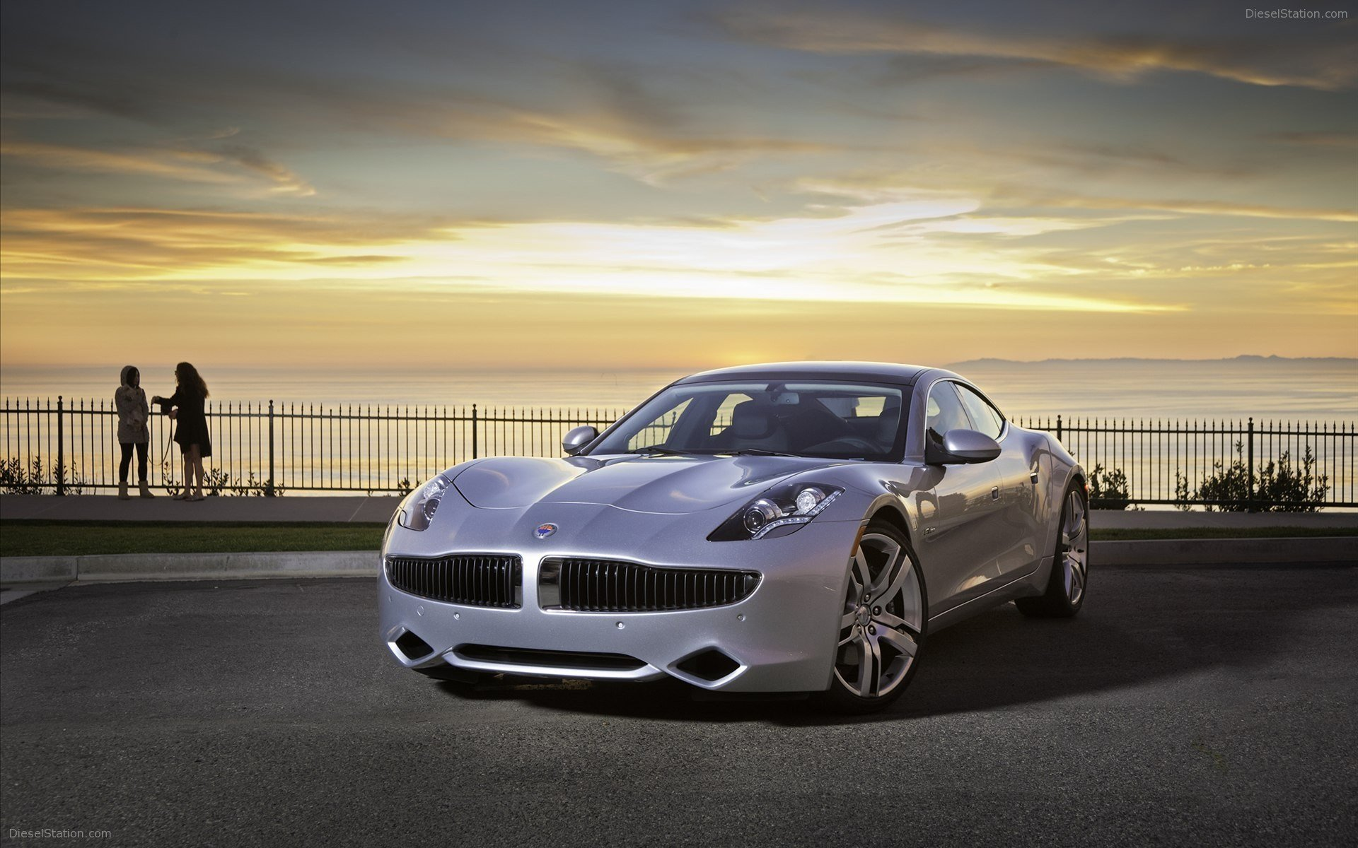 Latest Fisker Karma Hybrid 2012 Widescreen Exotic Car Wallpapers Free Download