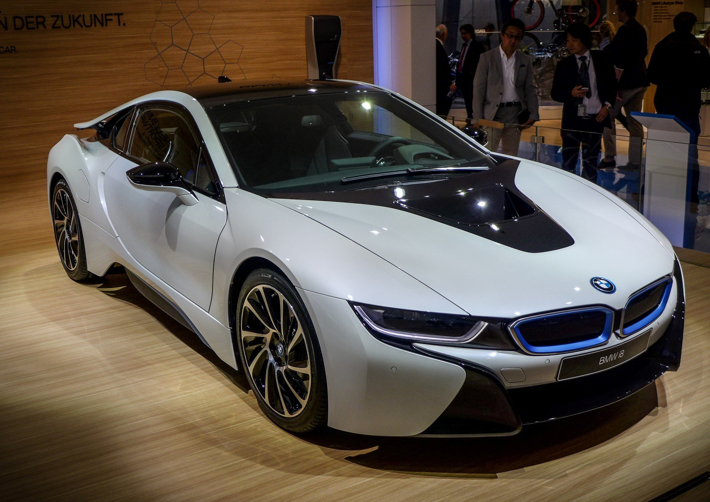 Latest New Crystal White Bmw I8 Luxury Two Seater Car Free Download