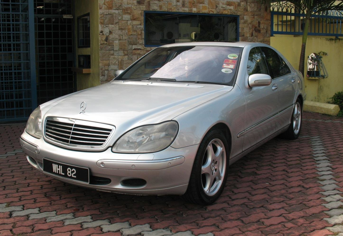 Latest Mercedes Benz S280 Photos Reviews News Specs Buy Car Free Download