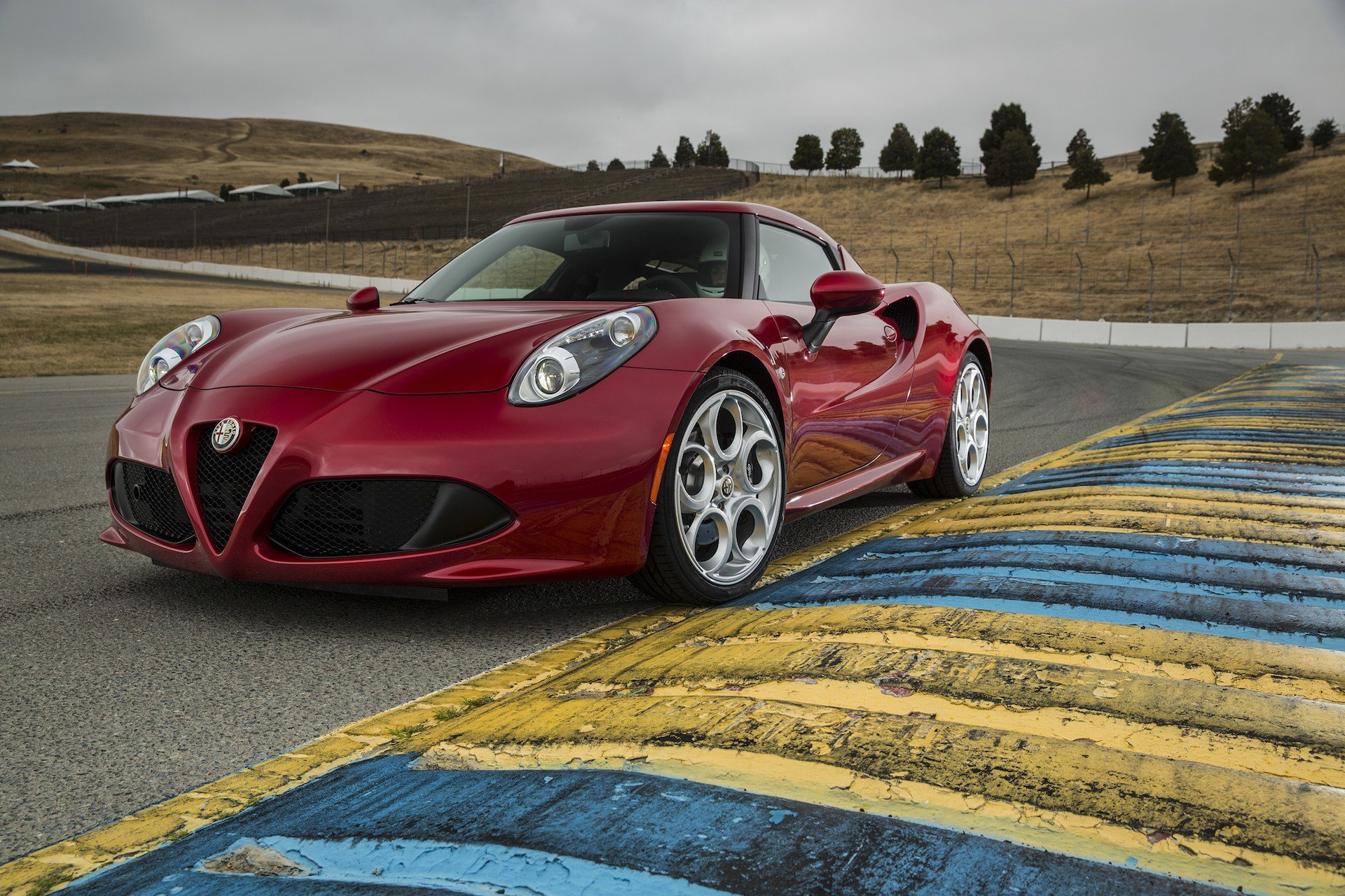 Latest 2015 Alfa Romeo 4C Review Ratings Specs Prices And Free Download