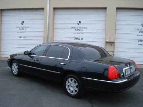 Latest 2011 Lincoln Town Car Photos Informations Articles Free Download