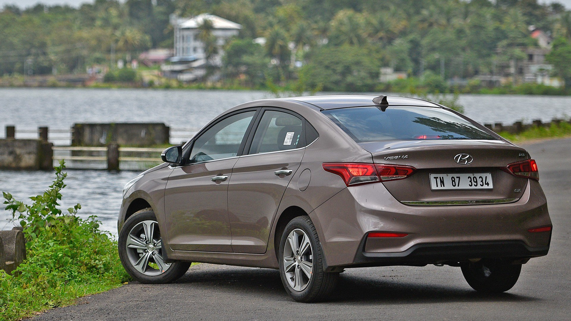 Latest Hyundai Verna 2018 Price Mileage Reviews Free Download
