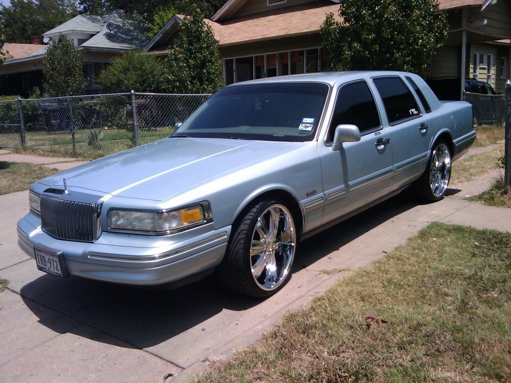 Latest Pillos 97 1997 Lincoln Town Car Specs Photos Free Download