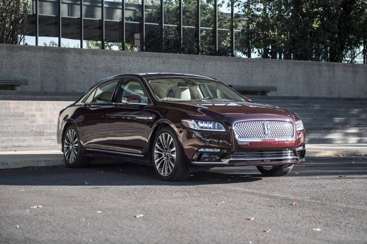 Latest 2018 Lincoln Town Car Hd Wallpaper Car Preview And Rumors Free Download