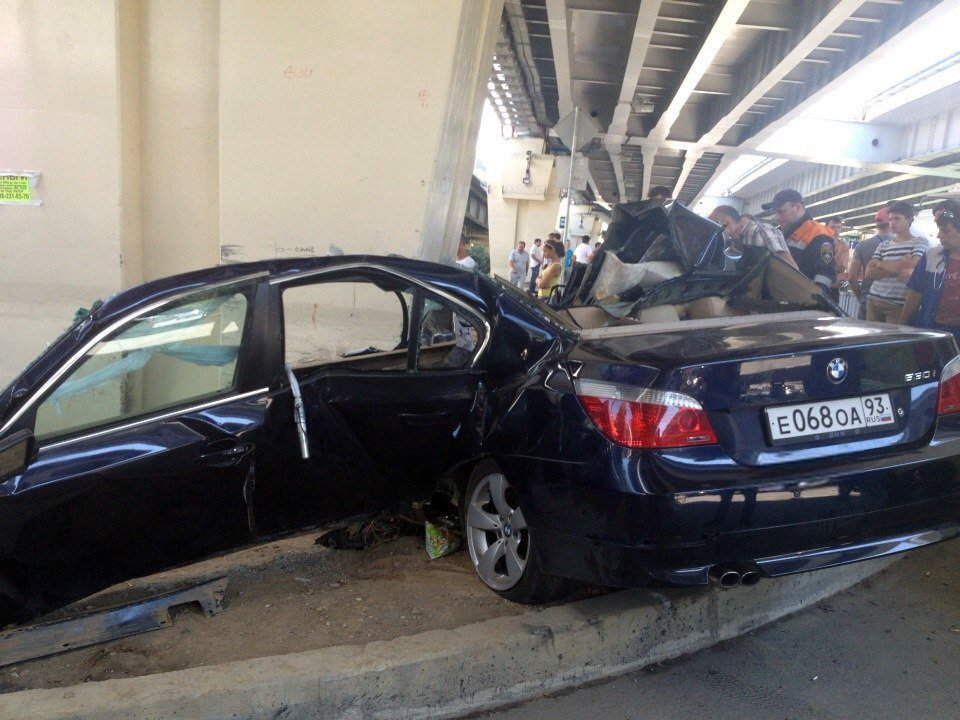 Latest Bmw 530I Splits Open Like A Tin Can In Horrific Accident Free Download